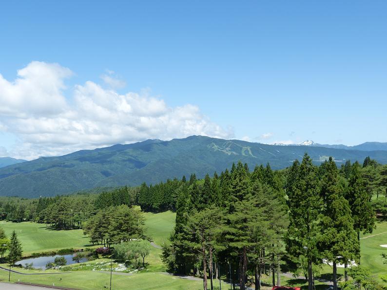 鷲ヶ岳ゴルフ場(12.3km)